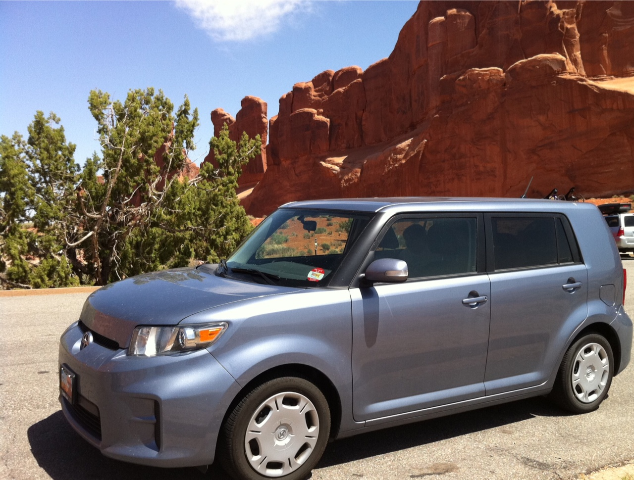 2001 scion xb stingray blue
